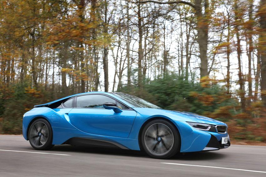 BMW i8 tracking