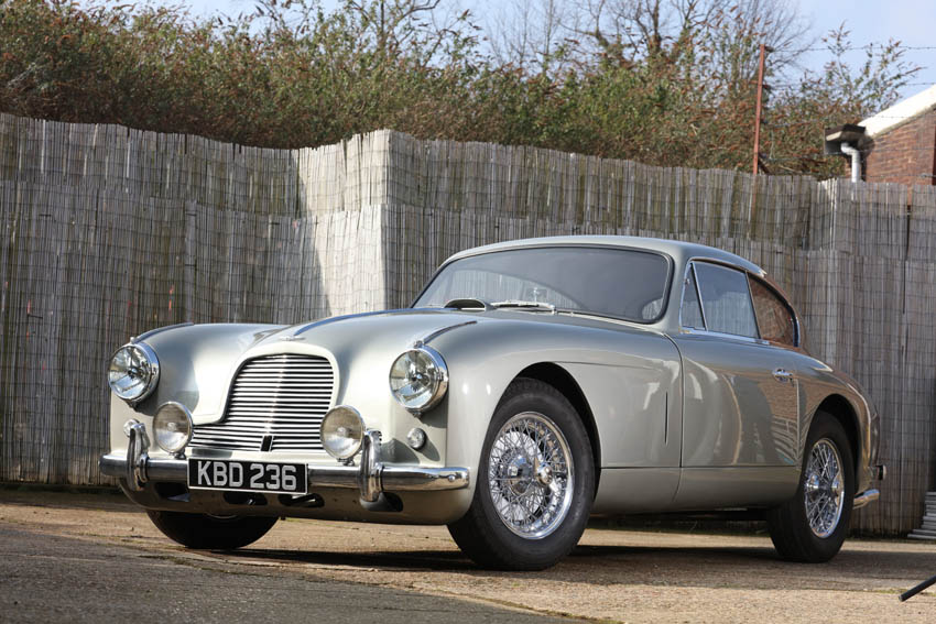 Aston Martin DB2/4 with nasty reflection in the side